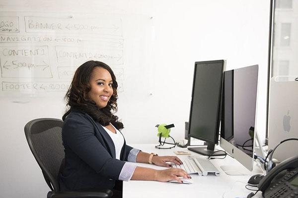 Tipuri de scaune de birou ergonomice - ghid de modele