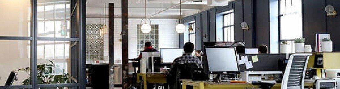 Ghid de amenajare a spațiului de lucru pentru angajați