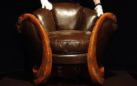 Un mic scaun de colectie, vandut cu 19 milioane de lire sterline